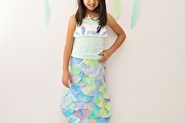 & DIY MERMAID COSTUME MADE WITH COFFEE FILTERS