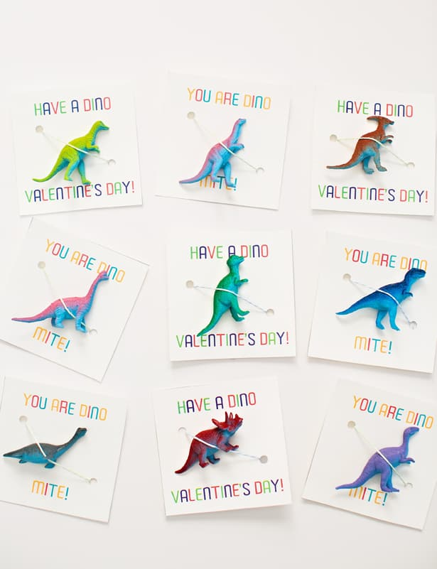 AWESOME DINOSAUR VALENTINE FAVORS WITH FREE PRINTABLE