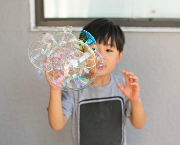 DIY recycled bottle bubble blower