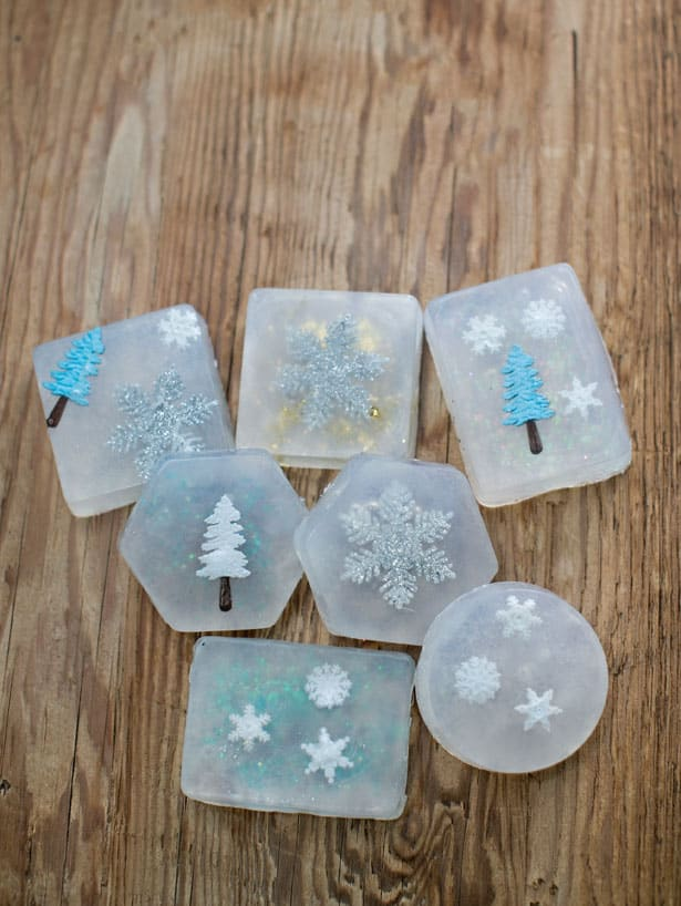 Easy handmade christmas soaps for Cosas artesanales para navidad