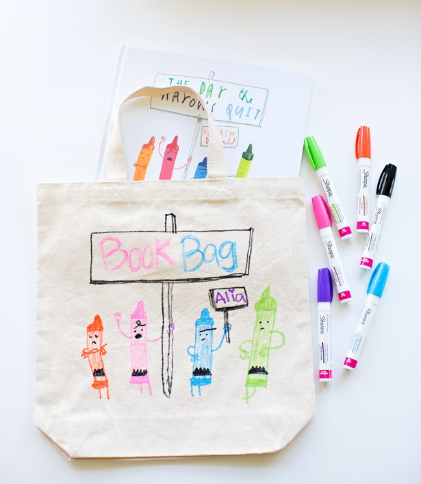 DIY LIBRARY BOOK BAG FOR KIDS FEATURING THEIR FAVORITE BOOK
