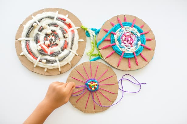 Easy Cardboard Circle Weaving For Kids