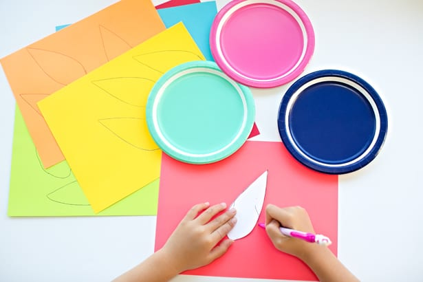 Arrange them as youu0027d like on the paper plates. This is a great time to talk to your child about complementary colors.  sc 1 st  Hello Wonderful & COLORFUL TURKEY PAPER PLATE CRAFT