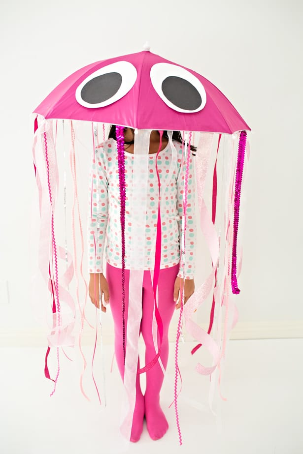 This cute jellyfish costume is so fun to dance around in and we love how easy it was to make! & EASY DIY JELLYFISH HALLOWEEN COSTUME FOR KIDS