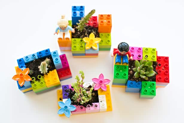 Mini diy lego planters fun planting project for kids for Diy lego crafts