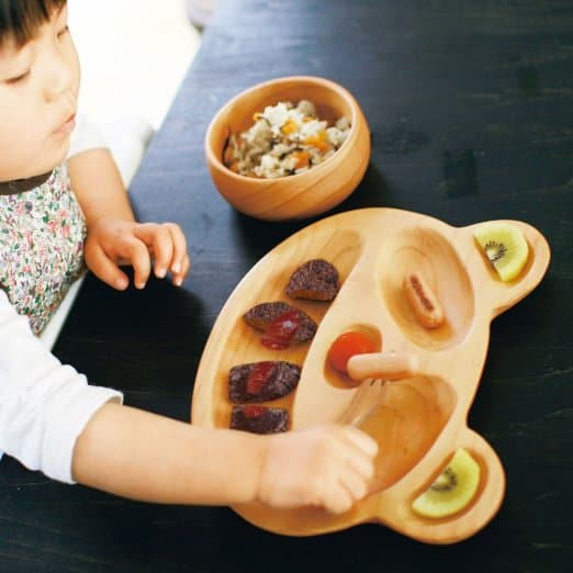 The ided portions make it easy to separate foods for your picky eaters and offer different types of finger foods. They come in a variety of shapes from ... & PLAYFUL WOODEN PLATES FOR KIDS FROM PETITS ET MAMAN