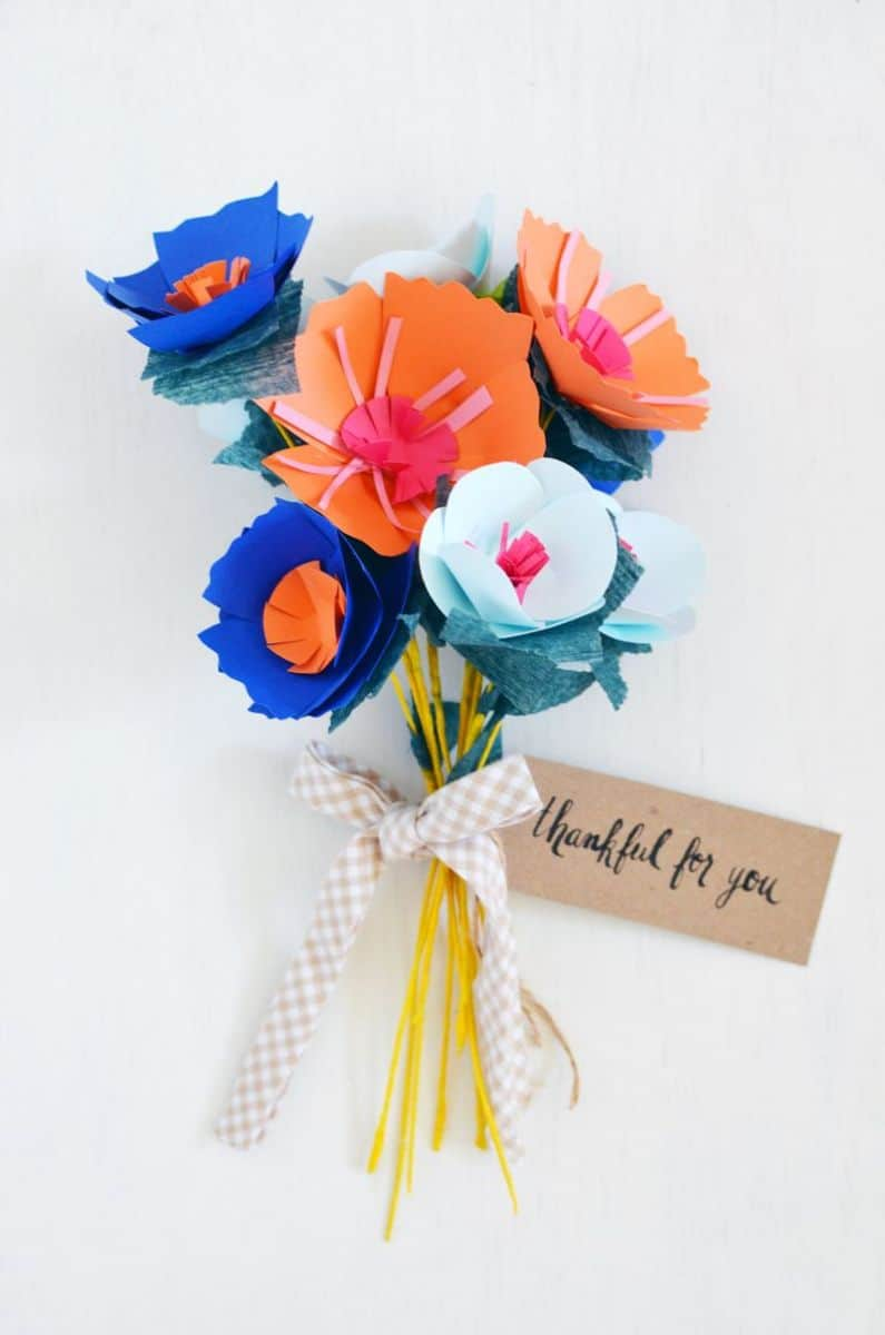 11 gorgeous ways to make paper flowers make a lovely spring bouquet of paper flowers with variety in colors and shapes these would make such pretty gifts for teachers or mothers day mightylinksfo