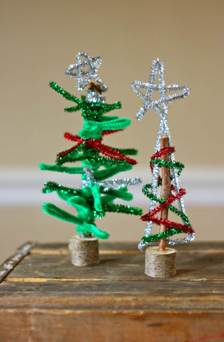 8 Fun Holiday Stick Crafts