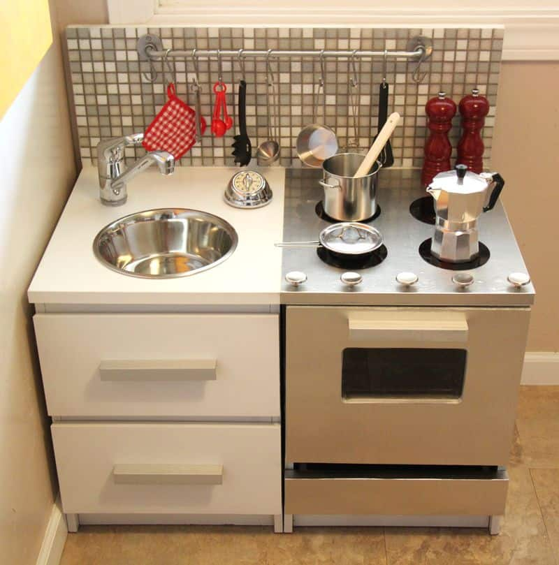 12 awesome diy play kitchens solutioingenieria Images
