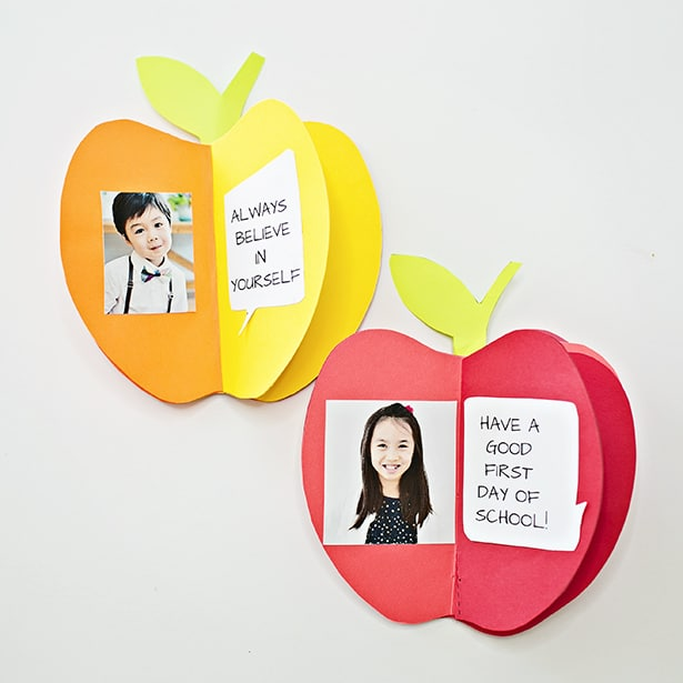 Create a cute keepsake and give your kids a boost of confidence as they go back to school with this fun 3D paper apple book (with free printable)!