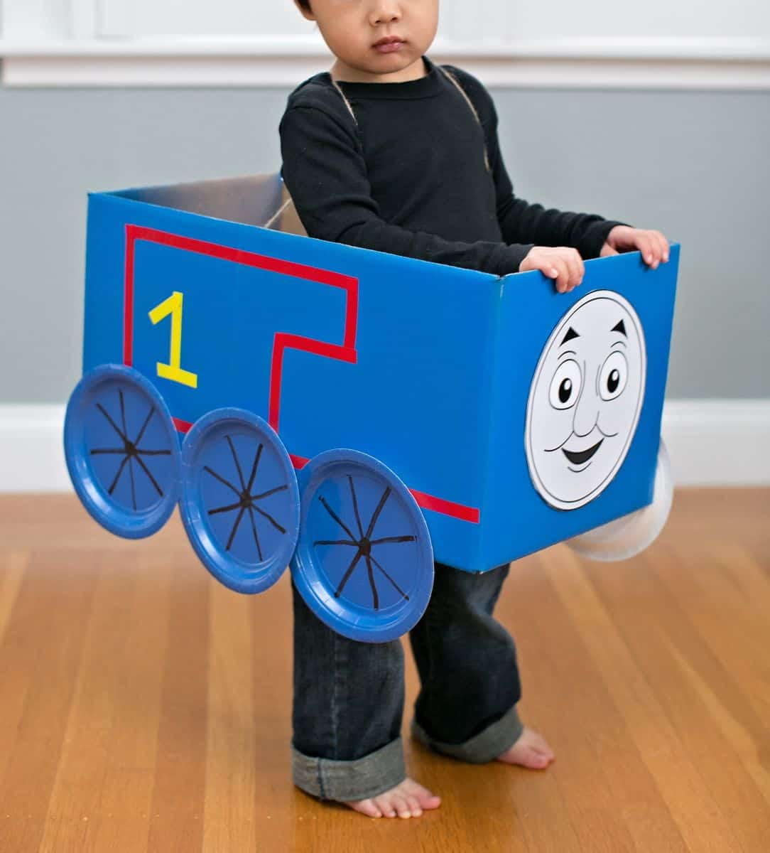 Thomas and friends costumes 5 printable faces for Thomas the tank engine face template