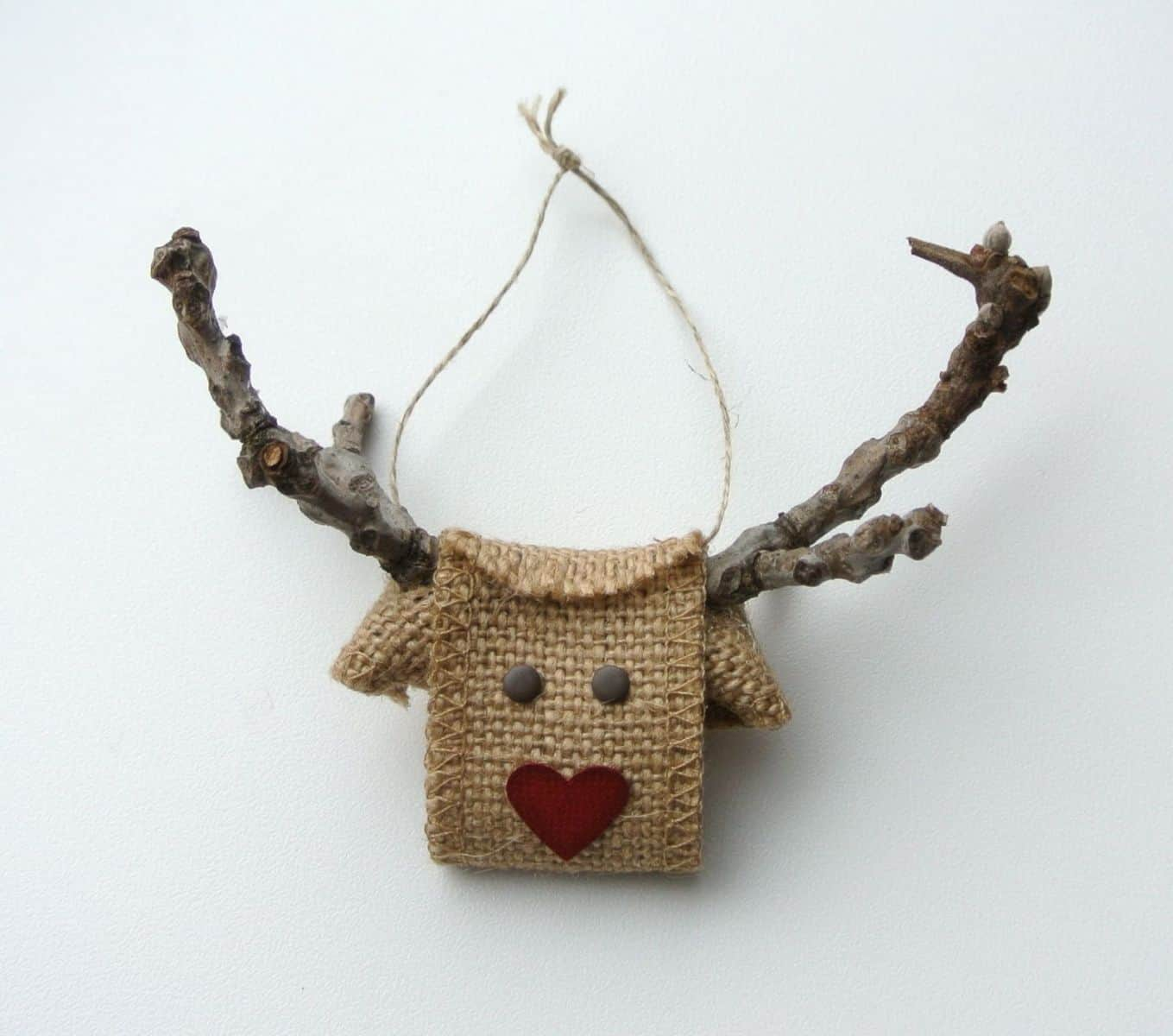 15 ridiculously cute reindeer crafts for Burlap christmas decorations to make