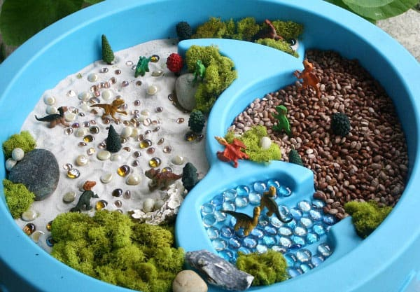 8 engaging sensory bins for toddlers for Kids craft table canada