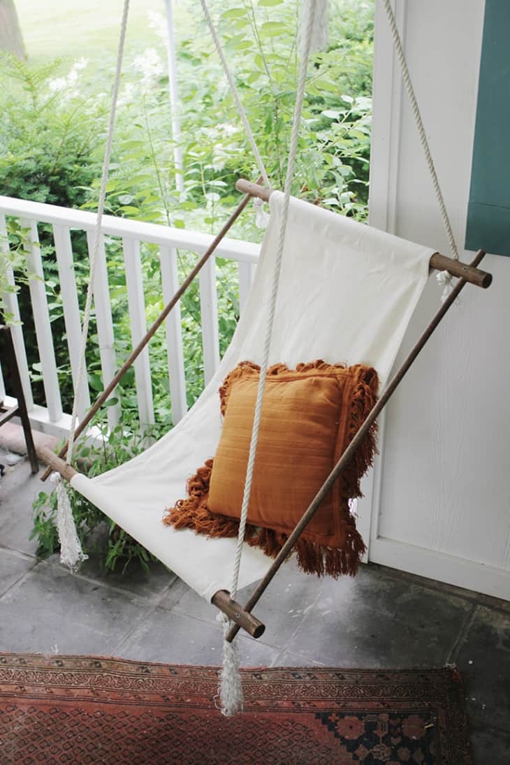 DIY Hanging Lounge Chair (via The Merry Thought) If Youu0027re Handy With The  Tools, You Can Make This Sturdy And Minimalist Canvas Chair Thatu0027s Fun To  Lounge ...
