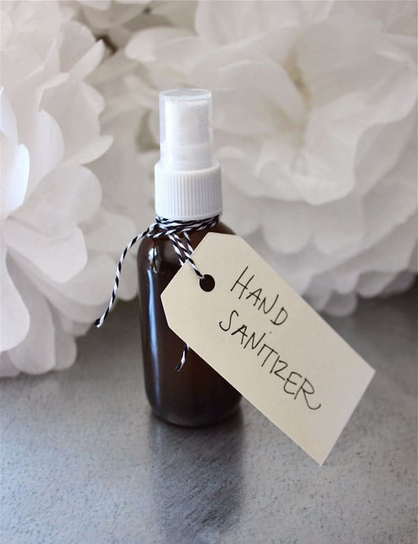 EASY HOMEMADE HAND SANITIZER