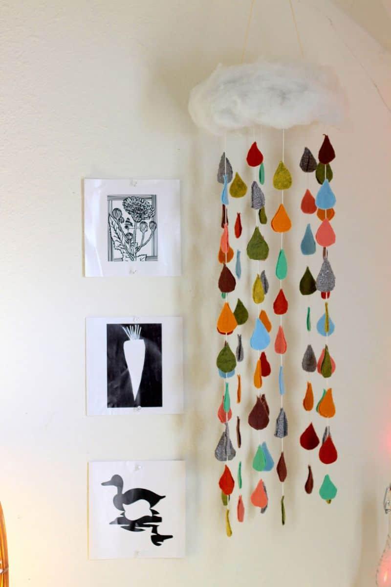 8 creative diy baby mobiles. Black Bedroom Furniture Sets. Home Design Ideas