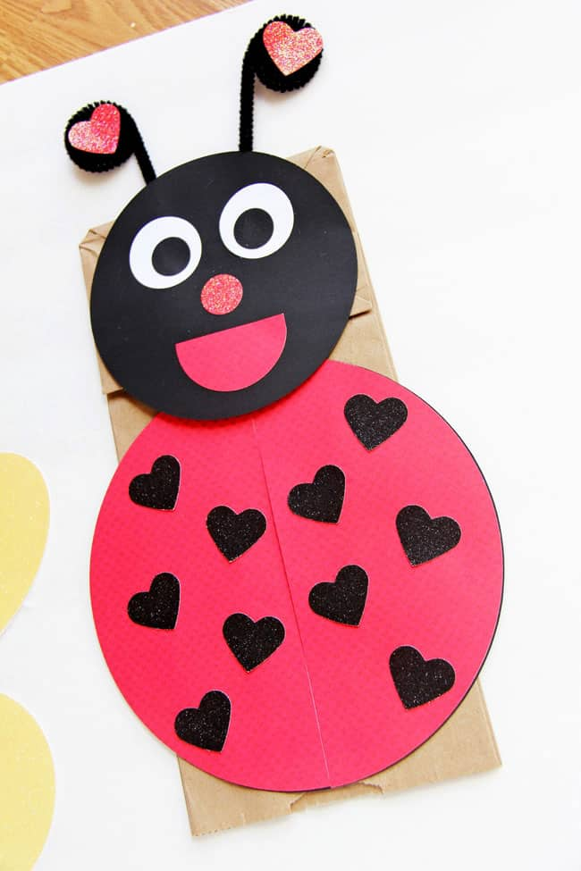 12 simple and sweet valentine 39 s day crafts. Black Bedroom Furniture Sets. Home Design Ideas