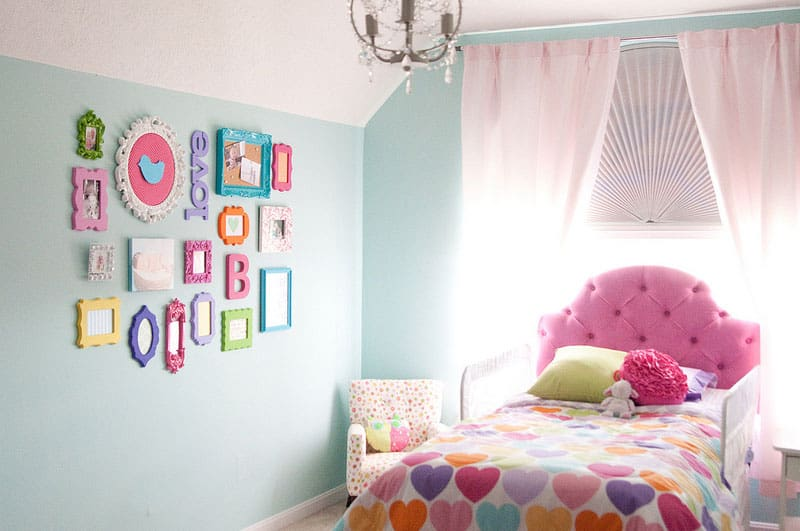 10 UNIQUE GALLERY WALL IDEAS FOR KIDS\' ROOMS