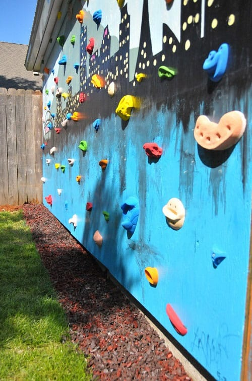 Whether you want to build a simple indoor structure or an impressive  backyard maze, take a look at these inspiring rock climbing walls to get  you started. - 12 AMAZING ROCK CLIMBING WALLS FOR KIDS