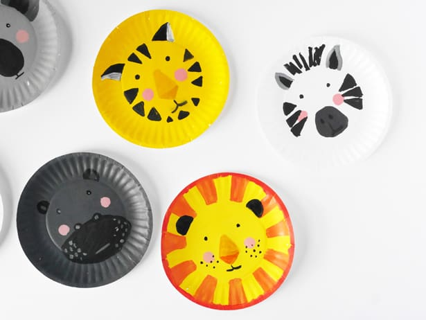 Paint some of your kidsu0027 favorite animals onto paper plates for fun pretend play or decor on the wall. All you need are paintbrushes paints ... & DIY ANIMAL PAPER PLATE FACES