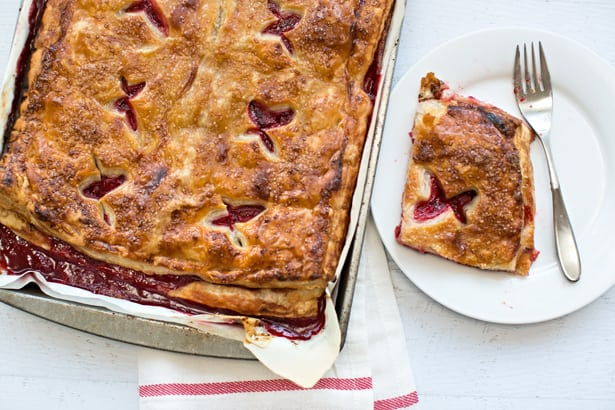 Easy Strawberry Slab Pie Recipe