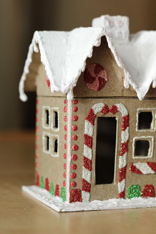 12 clever ways to make a gingerbread house