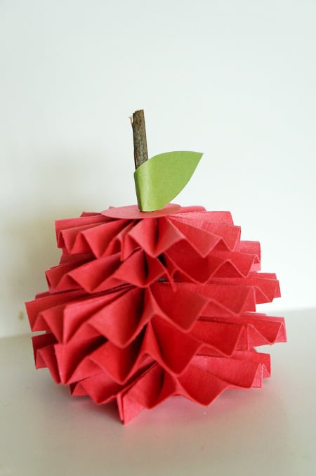 12 Sweet And Simple Apple Crafts