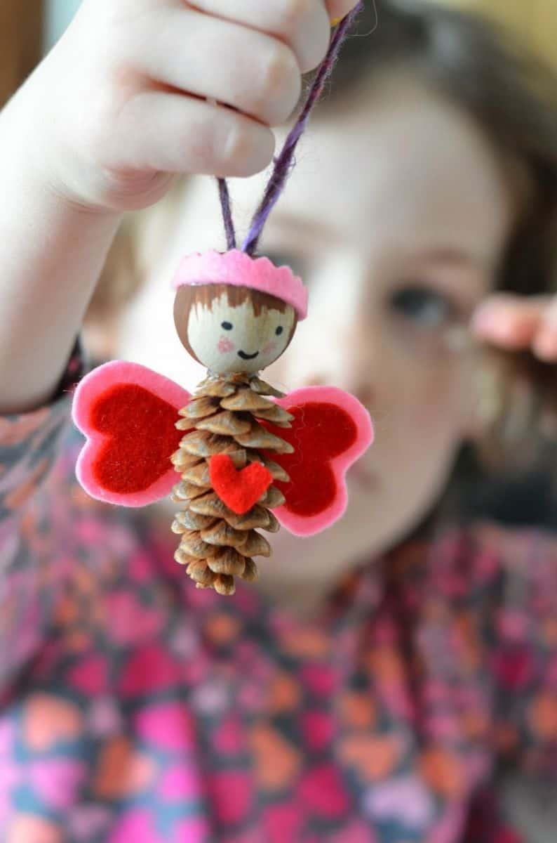 8 Adorable Pine Cone Crafts