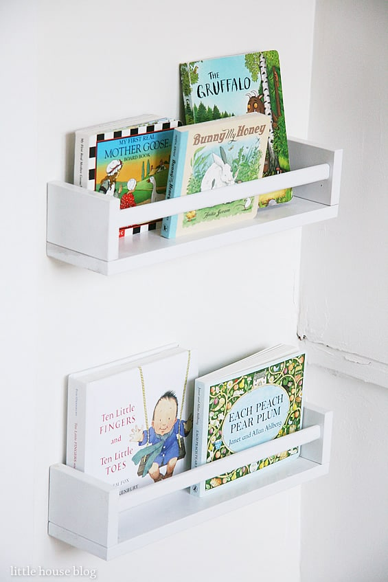 10 creative ways to display books. Black Bedroom Furniture Sets. Home Design Ideas