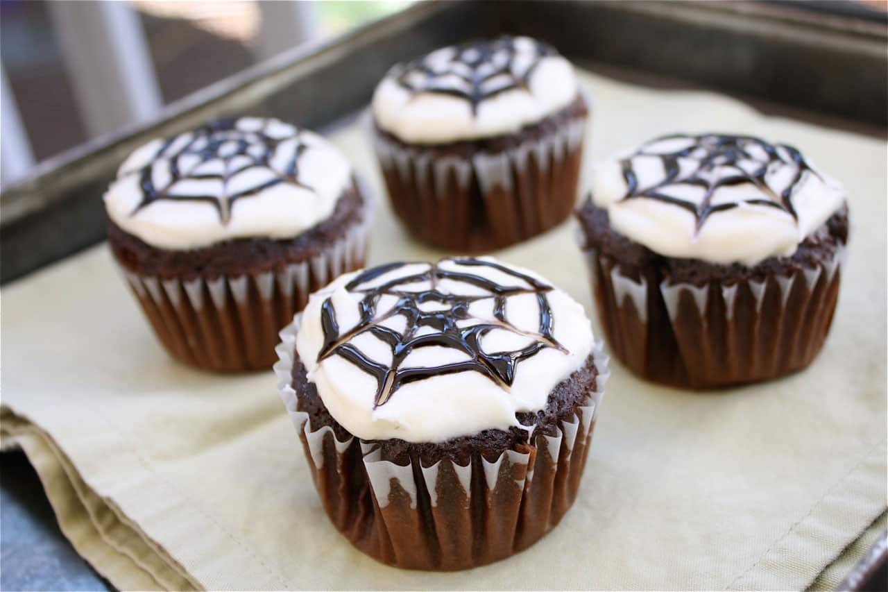 easy halloween cupcakes designs