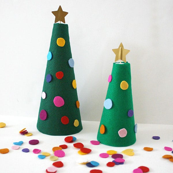 christmas tree photo holders via curly birds behold these christmas paper trees have a special meaningful photo box behind them