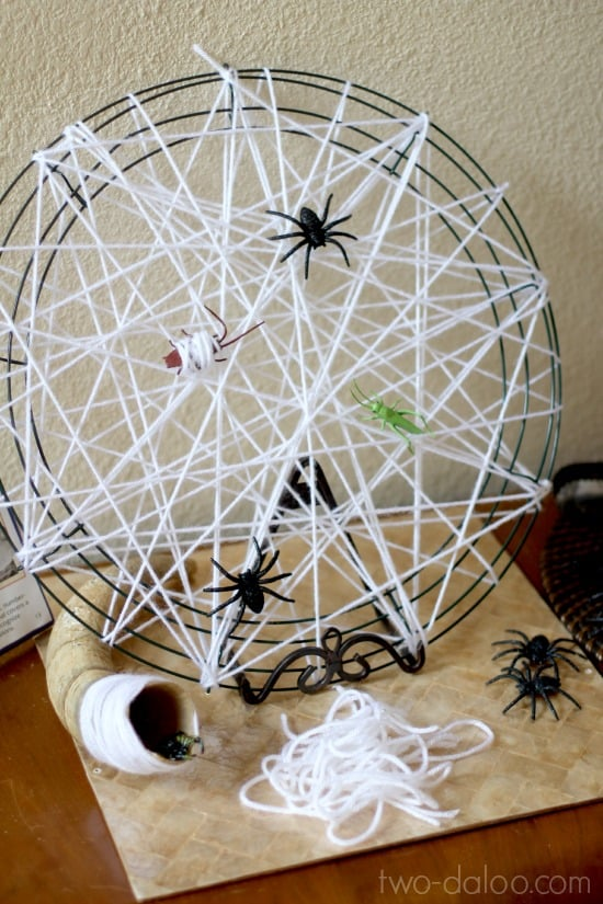 10 creepy crawly spider crafts for Arts and craft websites