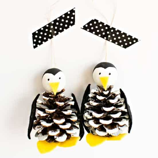 CUTE PINE CONE PENGUIN ORNAMENT  CHRISTMAS CRAFT