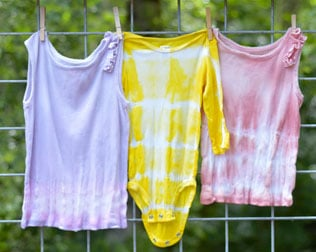 HOW TO MAKE NATURAL TIE DYE CLOTHING