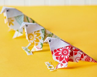 12 COLORFUL BIRD CRAFTS TO WELCOME IN SPRING