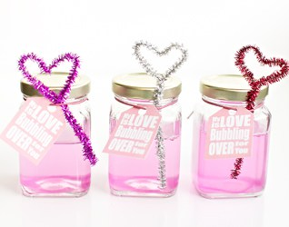 DIY PINK BUBBLES AND HEART WAND BLOWERS (WITH FREE PRINTABLE)