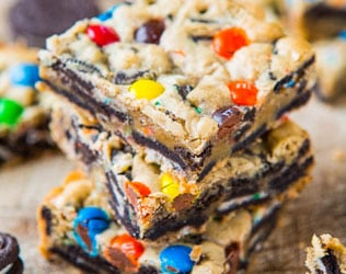 12 DELICIOUS WAYS TO TURN YOUR LEFTOVER HALLOWEEN CANDY INTO DESSERT