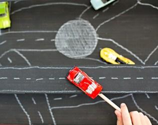BUILD A MAGNETIC CARDBOARD CAR RACETRACK