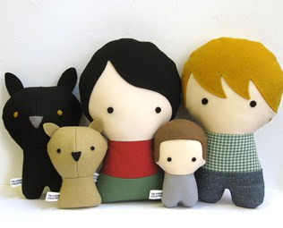 CITIZENS COLLECTIBLE: PERSONALIZED FAMILY DOLLS