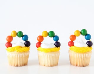 EASY RAINBOW CUPCAKE TOPPERS