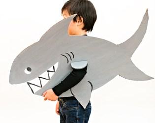 EASY SHARK CARDBOARD COSTUME FOR KIDS