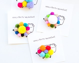 SHEEP  POM-POM FREE VALENTINE PRINTABLE CARD