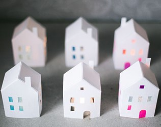 FREE PRINTABLE HOLIDAY PAPER HOUSES