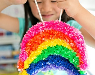 MAKE A GIANT CRYSTAL RAINBOW