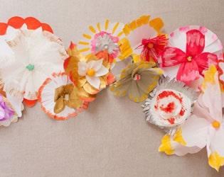 12 DAZZLING FLOWER CRAFTS