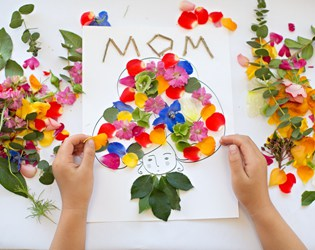 MOTHER'S DAY FLOWER ART WITH FREE PRINTABLE