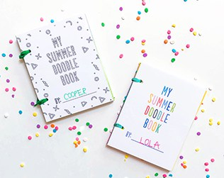 DIY MINI SUMMER DOODLE BOOKS WITH FREE PRINTABLES