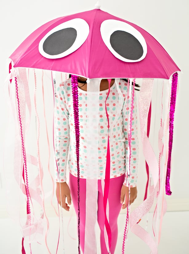 EASY DIY JELLYFISH HALLOWEEN COSTUME FOR KIDS