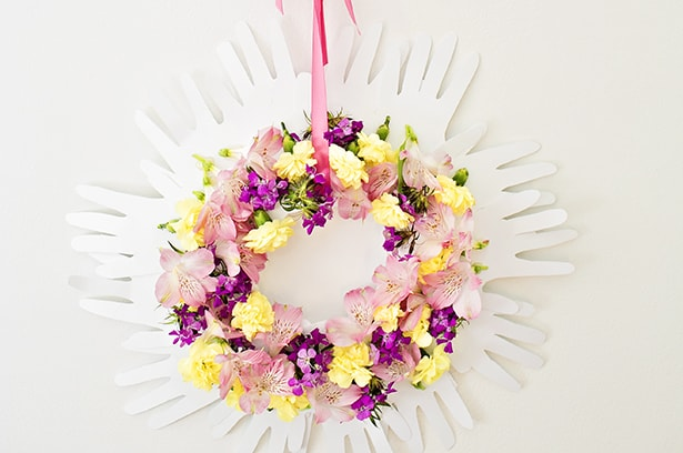 HANDPRINT FLOWER WREATH