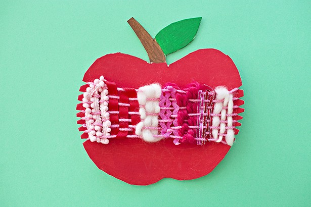 CARDBOARD APPLE WEAVING CRAFT